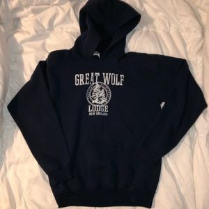 new listing ! hoodie great wolf lodge